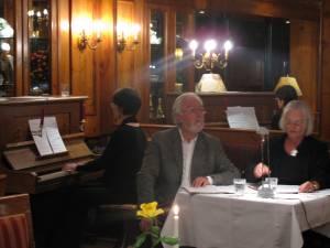 Antje & Martin Schneider und Pianistin Angela Stoll