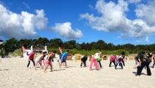 Sportliche Aktivitäten am Strand dürfen bei einer Thalasso Kur Ostsee nicht fehlen