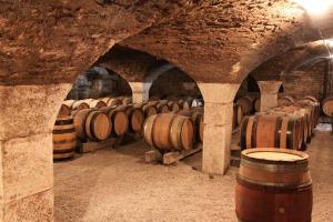 burgundy-1122165_1920